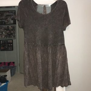 Tops - Boutique Blouse with Key Hole in back